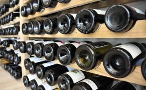 Zoom sur des culs de bouteilles de vin